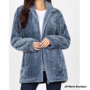 Plush faux fur jacket NWT